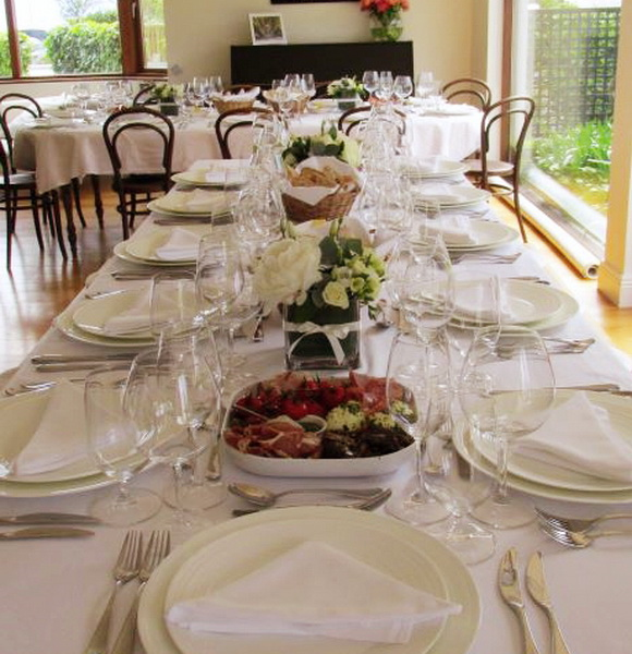 House party table setting